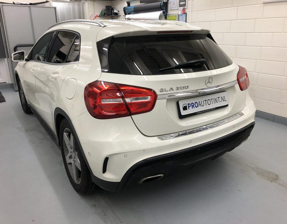 Mercedes GLA 200 ramen blinderen