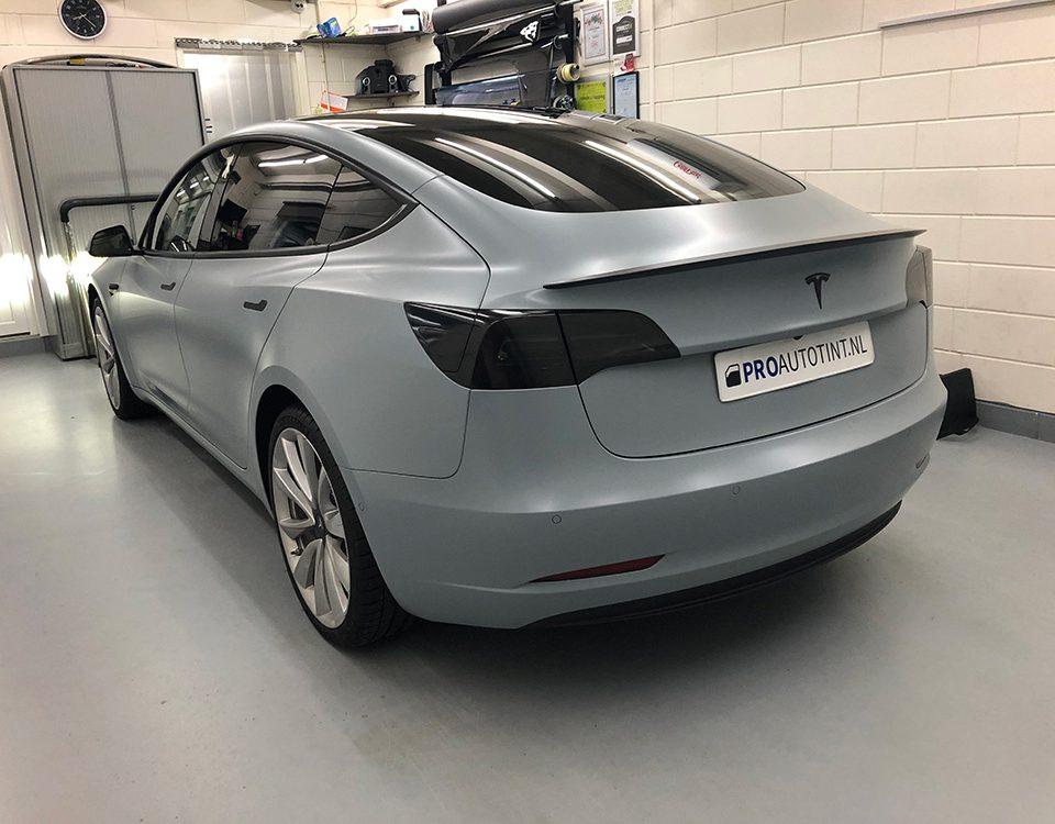Tesla model 3 wrappen 3m 1080 battleship grey