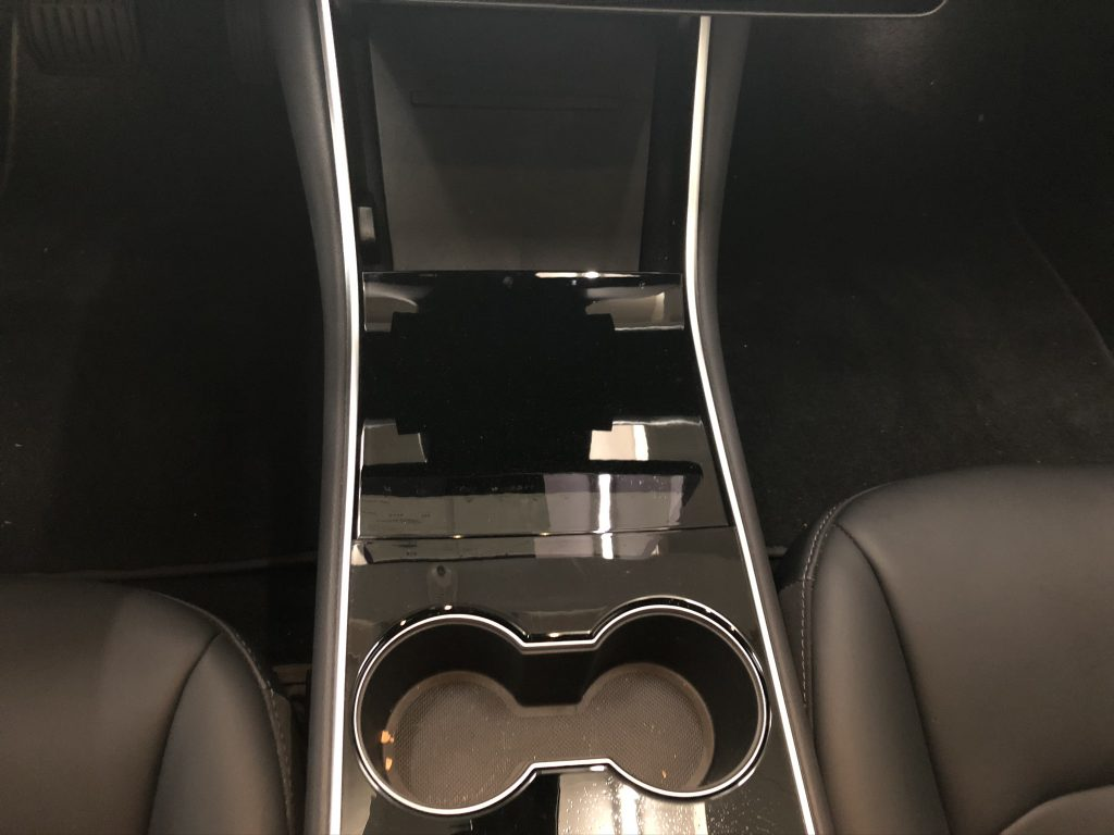 Tesla model 3 dashboard wrappen in brushed black